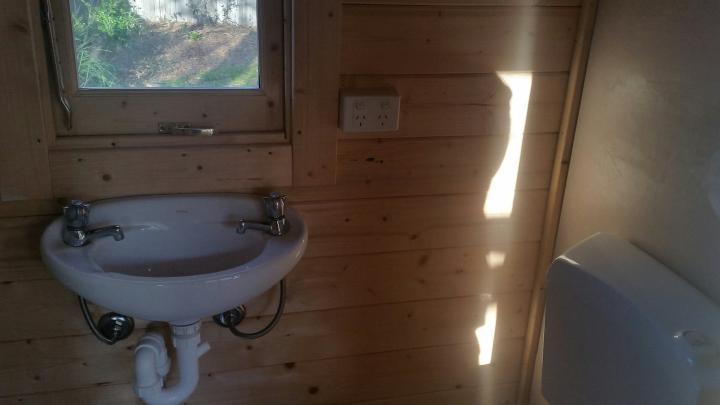 Twin Corsica Backyard Cabin bathroom